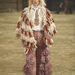 """A Chanel a """"Cowboys and Indians"""" elnevezű elő-őszi kollekciójának bemutatója után nyilvánosan is bocsánatot kért a divatházat ért vádak miatt."""