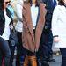 Katie Holmes egy klasszikus Gucci lovaglócsizmában fázik New Yorkban.
