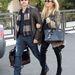 Rachel Zoe tervező cipzáras combcsizmában sétál férjével Los Angelesben.