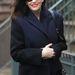 Liv Tyler 36 évesen a klasszikus gyapjúkabátra esküszik.