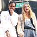 Cara Delevingne modell és A$ap Rocky egy reklámfotózáson örülnek a széles vállú ruháknak.