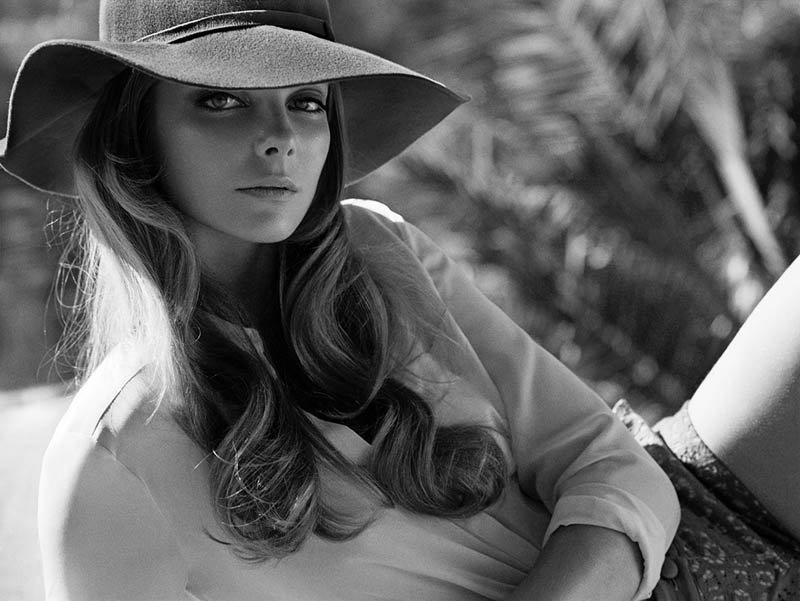 Szellős nyári ruhák és nagy karimájú kalapok kaptak helyet az új kollekcióban.