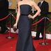 Jennifer Garner biztosra ment ezzel a Max Mara ruhával és a hozzáillő David Webb fülbevalókkal.