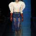 Gaultier szerint menő lezs a puffos ujjrész és az átlátszó szoknya.