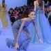Így kell előkelően elesni egy haute couture shown.
