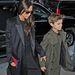 Victoria Beckham és fia, Romeo Beckham megérkeztek a divathétre.
