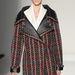 Bőrbetoldásos túlméretezett kabátok sem kopnak ki a divatból jövő télen.