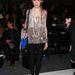 Az oldalra fonott copf Lauren Rae Levy stylistnak is nagyon jól áll.
