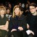 Anna Wintour a tőle megszokott rezzenéstelen arccal nézte végig a showt.