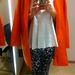 Zara: Persze az élénkebb színek kedvelői is megtalálhatják a számításukat. Kabát - 29995 Ft, blúz - 9995 Ft, nadrág - 9995 Ft.