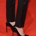 Jolie lábain Saint Laurent cipő.