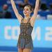 Adelina Sotnikova az oroszok bajnoka lett 17 évesen. A ruhája egyszerű, nem valami látványos.