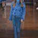 A műszőr és a kék is divatban marad 2014 őszén a Versace szerint.