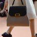 Lapostalpú cipő és menő táska a Marnitól.