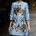 A baglyos A-vonalú ruhát is a Dolce & Gabbannának köszönhetjük.