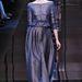 A visszafogottsághoz illik ez a Giorgio Armani Privé Haute Couture ruha.