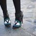 Párizsi divathét: A cipője is megért egy fotót.  Ha ön is szeretne hasonló lábbelit, az Aperlaï kollekcióiból válogasson.