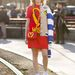 Milánói divathét: Natasha Slater rendezvényszervező már a Moschino új kollekciójában pózolt Jil Sander divatbemutatója előtt.