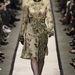 A nőies, örökzöld virágmintás ruha sokakat meglepett.
