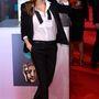 Angelina Jolie pedig a BAFTA-díjátadóra vette fel a maszkulin szettet.