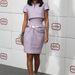 Rihanna ugyanolyan szabású Chanel kosztümben pózolt, ő mégsem néz ki betegesen soványnak.