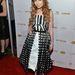 Stef Dawson a tervező fekete-fehér ruhájában integetett az OK! Magazine Pre-Oscar Partyjának vörös szőnyegén.