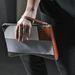 Narciso Rodriguez a futurisztikusabb vonal felé kanyarodott táska tervezésnél.