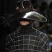 Kockás garbóban és óriási kalapban töltjük a telet a Tod's szerint.