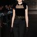 A tervezőt egyébként egy Calvin Klein fotózáson szúrta ki magának Bruce Weber divatfotós, akinek hatására a középiskola elvégzése után Párizsba utazott.