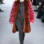 """A """"British Fur Trade"""" ( BFTA ) nevű brit társaság 2008-ban Fur Trails néven ugyanis indított egy web-alapú oktatási programot, melyben a 12 –14 év közötti gyerekeket győzködnek a szőrme helyességéről."""