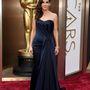 Sandra Bullock 8,24 millió dollárt visel.