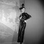 Jeanne Lanvin 1895-ben igent mondott az olasz nemes, Emilio di Pietro házassági ajánlatára, akitől két évvel később egy lánya, Marguerite született. Ez már a tervező egyik 1936-os ruhája.