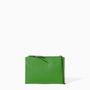 A Zarában se árazták túl a clutchokat, ez a színes műbőr táska csak 4995 forint.