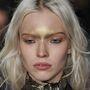 A lenőtt szőke haj felbukkant Emilio Pucci showján is.