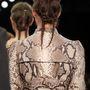 Látványos fonatok a Givenchy mesterfodrászától.