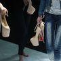 A stylistok a színfalak mögött a túl magas cipőkkel: legközelebb talán nem ragaszkodnak a 18 centis sarkakhoz.