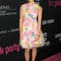 Olivia Munn többféle pasztellszínt visel és jól áll neki.