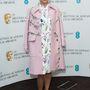 Dívány kedvenc ez a rózsaszín, gazdagon díszített kabát Lea Seydoux-on.
