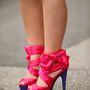 Ez a cipő viszont már túlzás.