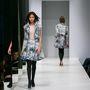 Phung ruháit egyre több helyen lehet kapni, például a patinás párizsi Galeries Lafayette-ben, ahol még külön kirakatot is kaptak.
