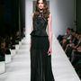 Octavio Pizzaro: Az utolsó ruha az előző maxi verziója, átsejlő szoknyarésszel.