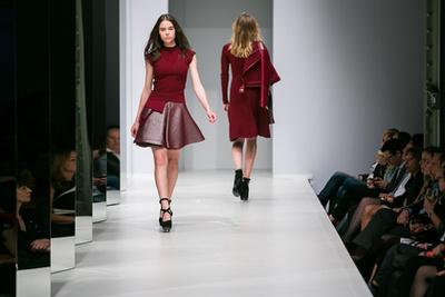 D V Ny Elle Fashion Show 2014 Gal Ria