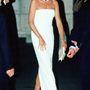 Catherine Walker ezernél is több ruhát tervezett a hercegnőnek, az estélyikről volt a leghíresebb.