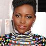 Lupita Nyong'o mintás Chanel ruhájához valóban nem kellett több, mint egy kis ezüst csillogás a szeme köré. Rövid haját pedig szerencsére ezúttal sem bonyolították túl a mesterfodrászok az esemény előtt.