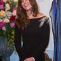 Ruhája személyre szabott Jenny Packham ruha, 3100 font, 1,1 millió forint.