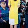 10. nap, április 16.: A pár megnézte a Sydney-i Operaházat is. Vilmos szerint Katalin úgy nézett ki ebben a ruhában, mint egy banán. Férfiak és a divat...