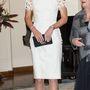 18. nap, április 24.: Az utolsó ausztrál estén Katalinék egy hivatalos, államfőkkel megpakolt fogadáson múlatták az időt. Katalin Lela Rose ruhát vett fel az alkalomra, melyet 4000 fontért, másfél millió forintért osztogatnak.