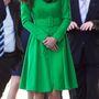 18. nap, április 24.: Nemzeti Portrégaléria se csak Londonban van. A canberrai galériában Kate Middleton zöld Catherine Walker kabátruhában mosolyog.