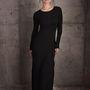 Bérénica Marlohe a Tribeca portréfotózásán is dögösen pózol a Getty Images Studióban, április 19-én, a premier napján.