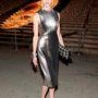 Amy Fine-Collins a Tribeca alatt rendezett Vanity Fair Partira öltözött talpig ezüstbe.